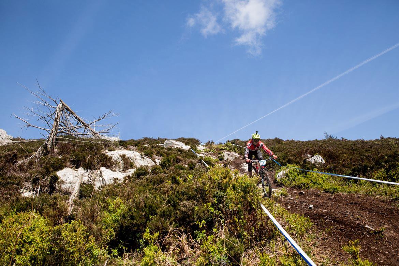 MET Parachute MCR mips Enduro, Trail and E-MTB Helmet