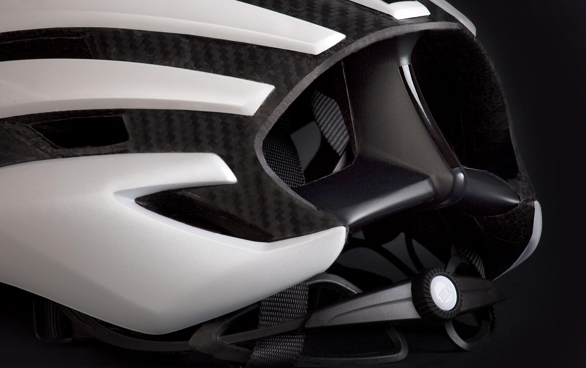 MET Trenta 3K Carbon Road, Aero, Cyclocross and Gravel Helmet rear deflectors