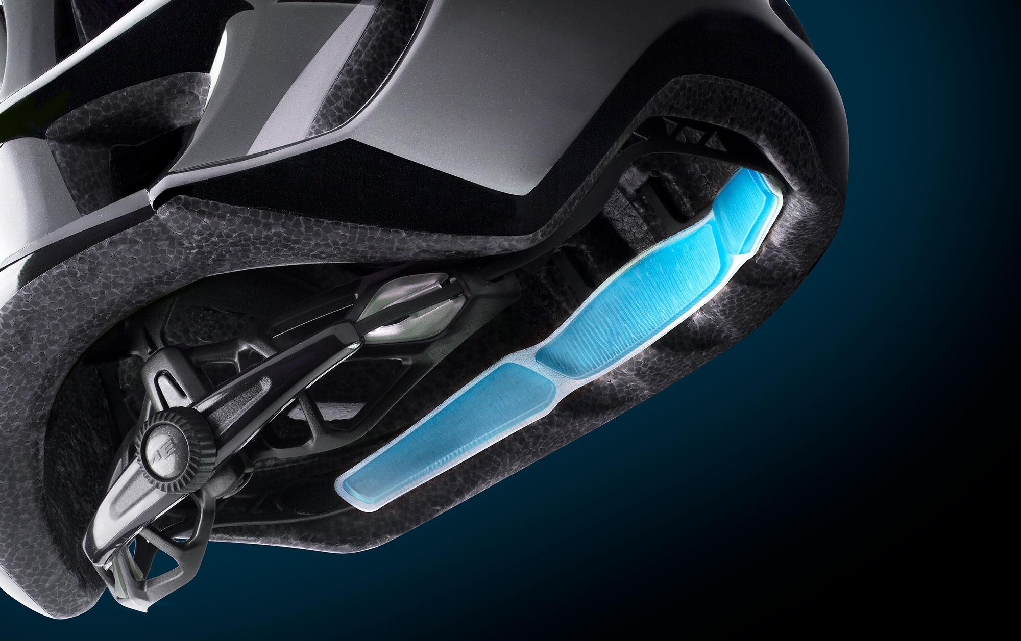 MET Manta Road, Aero and Cyclocross Helmet Retention System