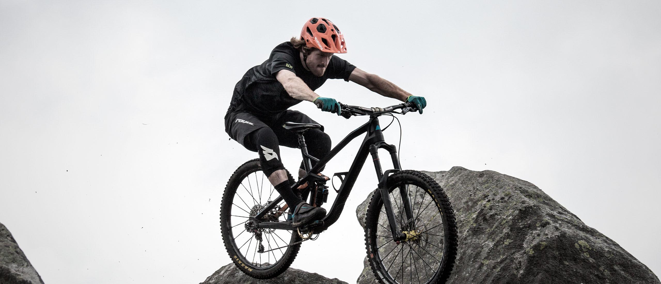 Bluegrass Skinny Protection made for Mountain Bike, Enduro and E-Bike