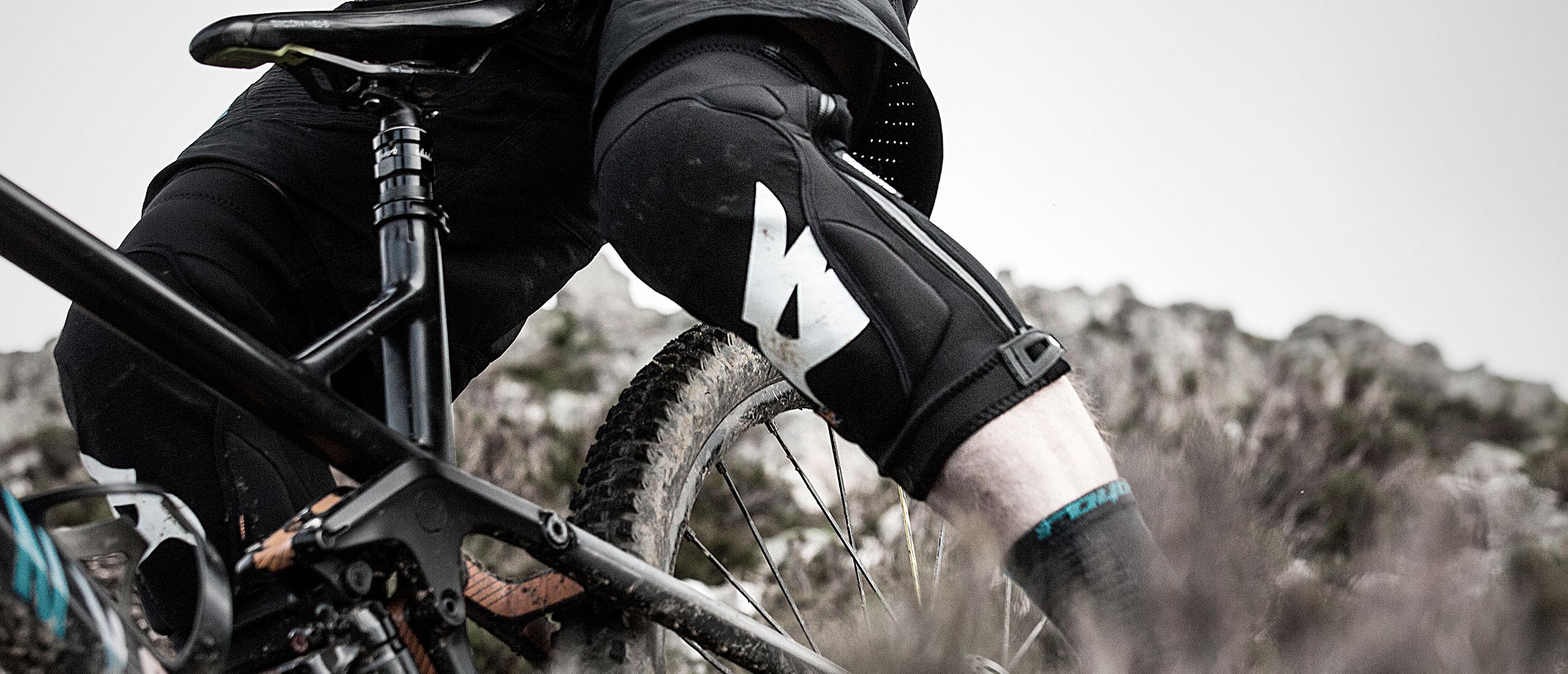 Bluegrass Solid D3O Knee Protection made for Mountain Bike, Enduro and E-Bike