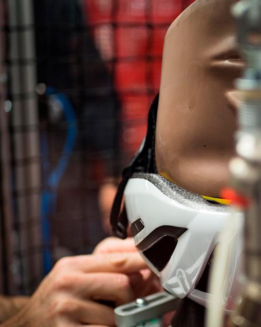 MET Vinci Road Helmet Mips Brain Protection System