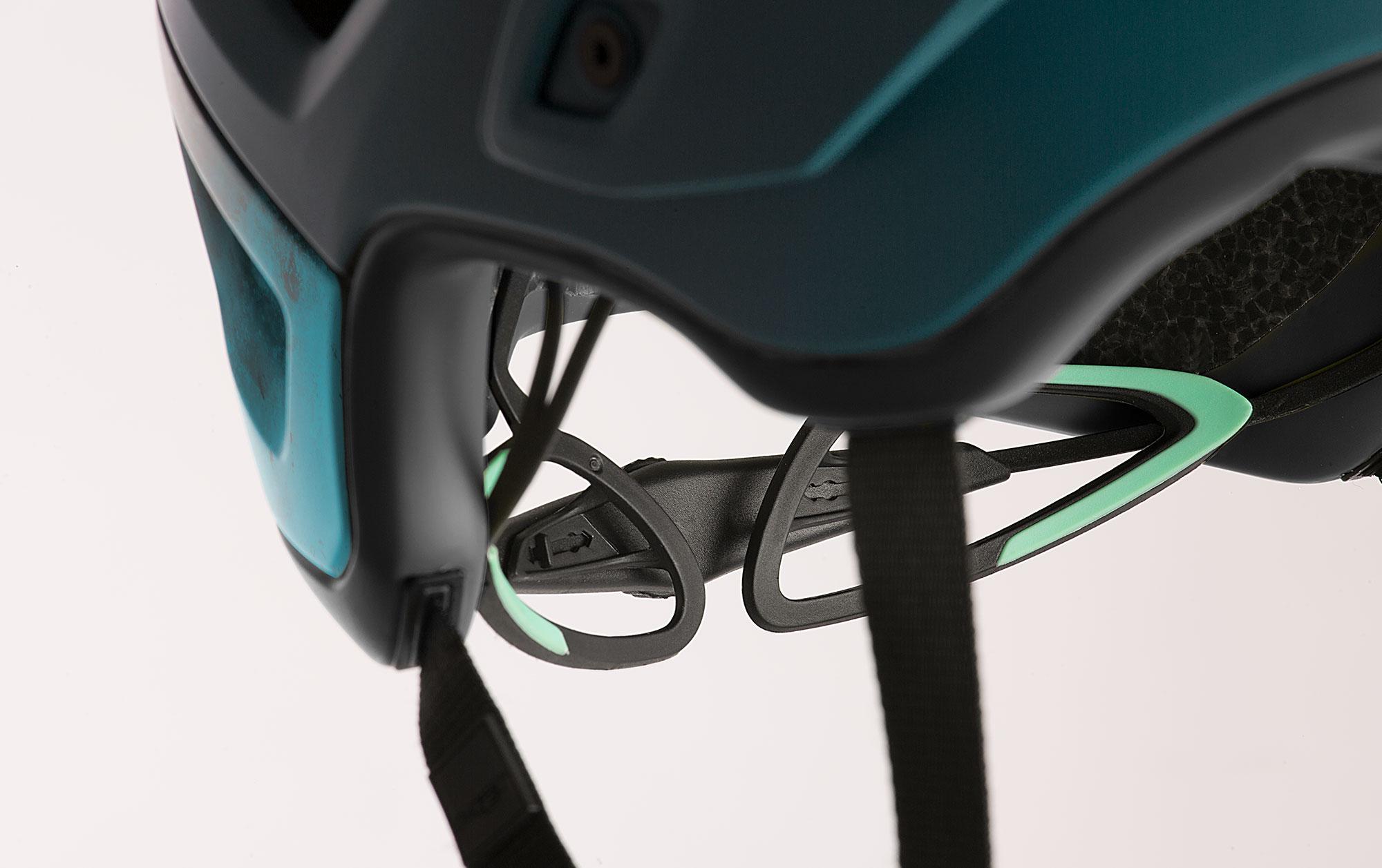 MET Roam Mips Enduro, Trail and E-MTB Helmet Retention System