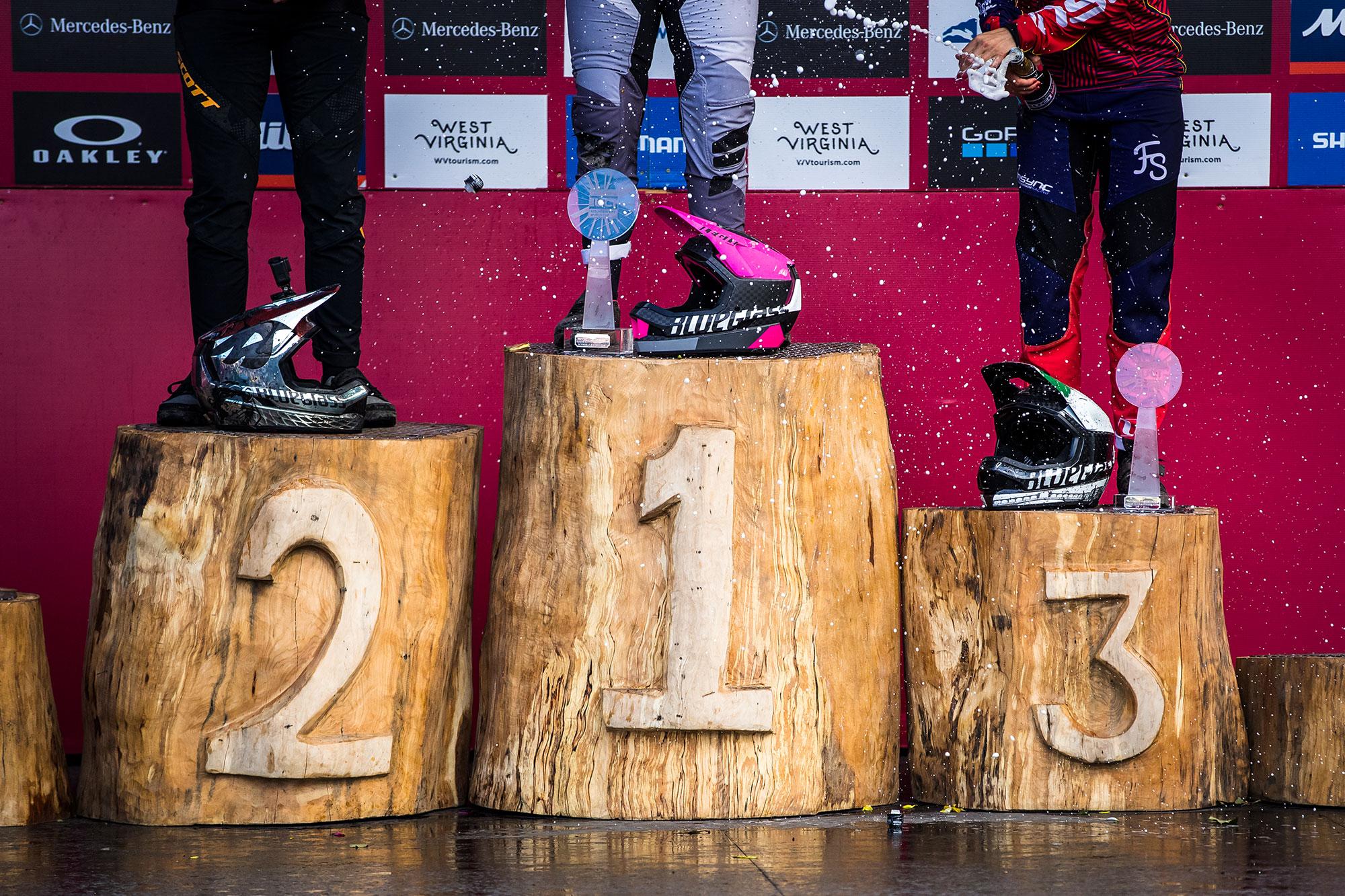 Bluegrass Legit Carbon World Cup podium Tracey Hannah, Veronika Widmann, Marine Cabirou.
