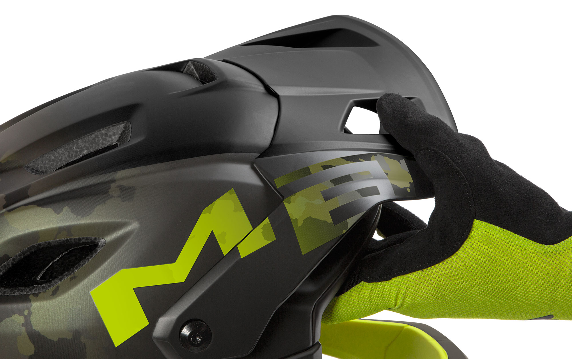 MET Parachute MCR mips Enduro, Trail and E-MTB Helmet Flexible Injected Visor