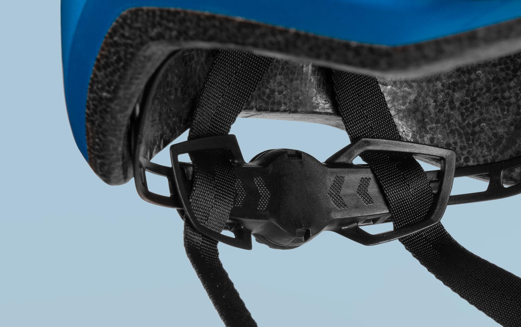 MET Downtown Trekking and City Helmet Retention System