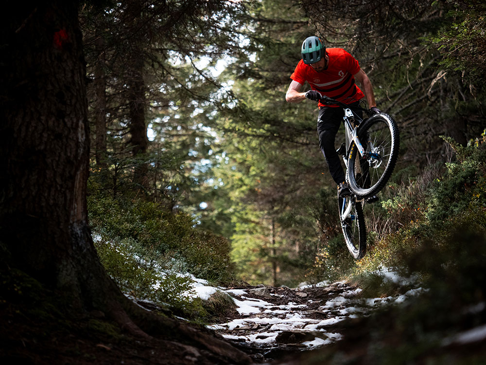 Bluegrass Rogue MTB Helmet for Trail and Enduro, Riding with Liam Moynihan