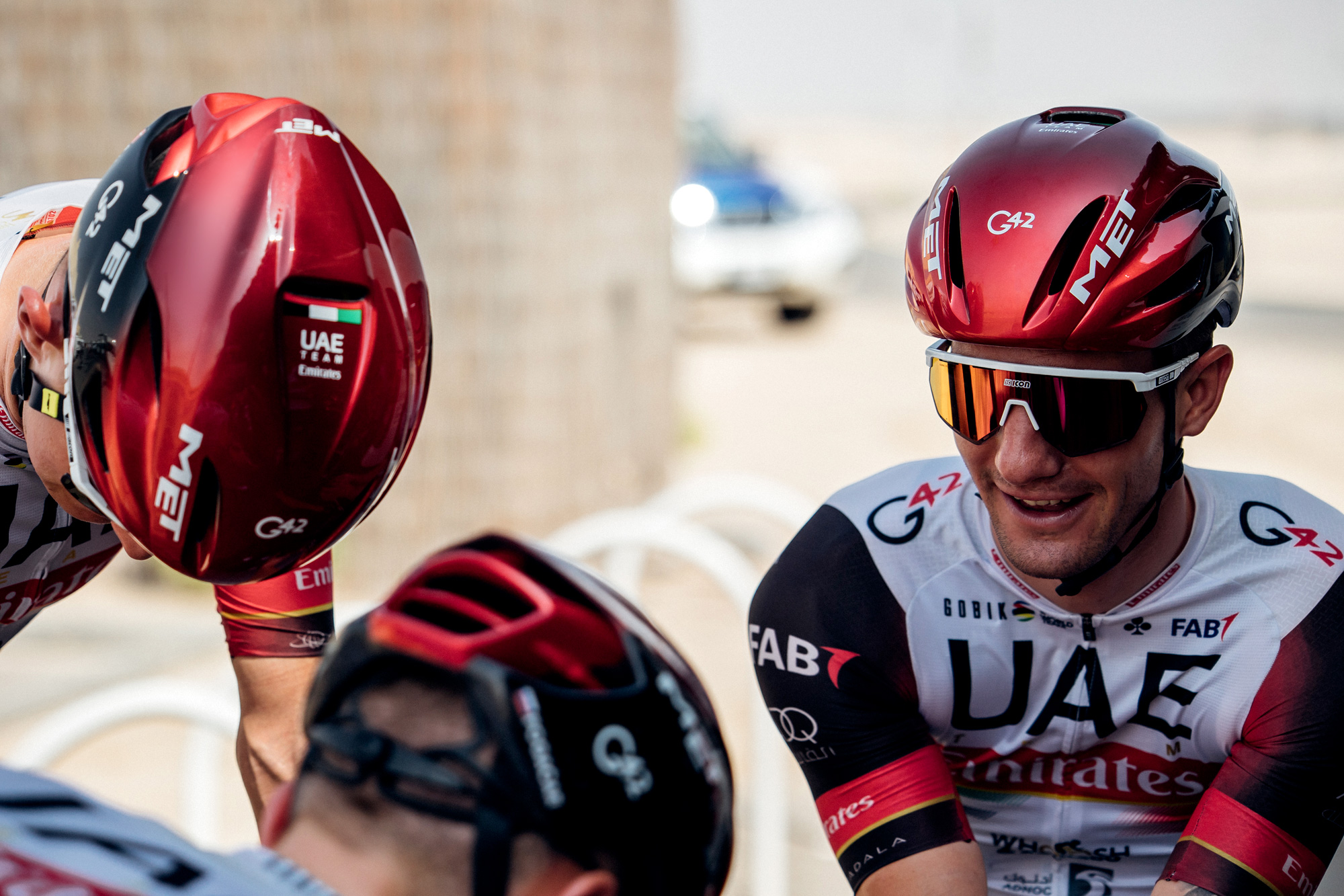 MET Manta Mips Road, Triathlon and Winter Rides Helmet: UAE Team Emirates