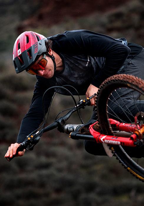 Video: Vinny-T Goes Rogue - Rider Vincent Tupin - Helmet Bluegrass Rogue Core Mips MTB Helmet